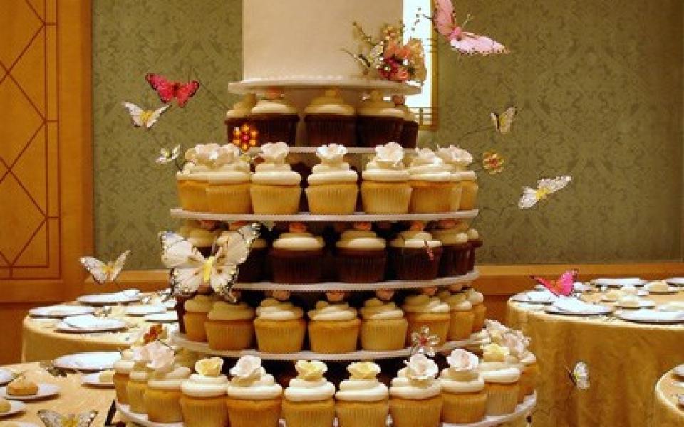 Wedding_Cupcake_Tier