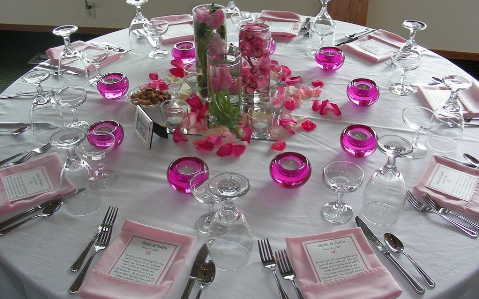 1024px-Wedding_Banquet_setting